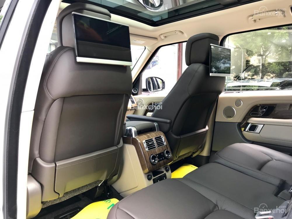 Bán ô tô LandRover Range Rover HSE đời 2019, màu trắng, nhập khẩu nguyên chiếc từ Mỹ. LH Ms Hương 0945.39.2468 (17)