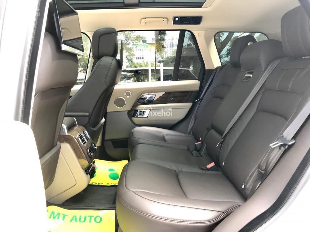 Bán ô tô LandRover Range Rover HSE đời 2019, màu trắng, nhập khẩu nguyên chiếc từ Mỹ. LH Ms Hương 0945.39.2468 (16)