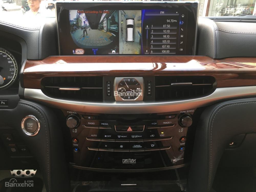 Bán xe Lexus LX 570S SuperSport năm sản xuất 2018, màu đen, nhập khẩu nguyên chiếc-15