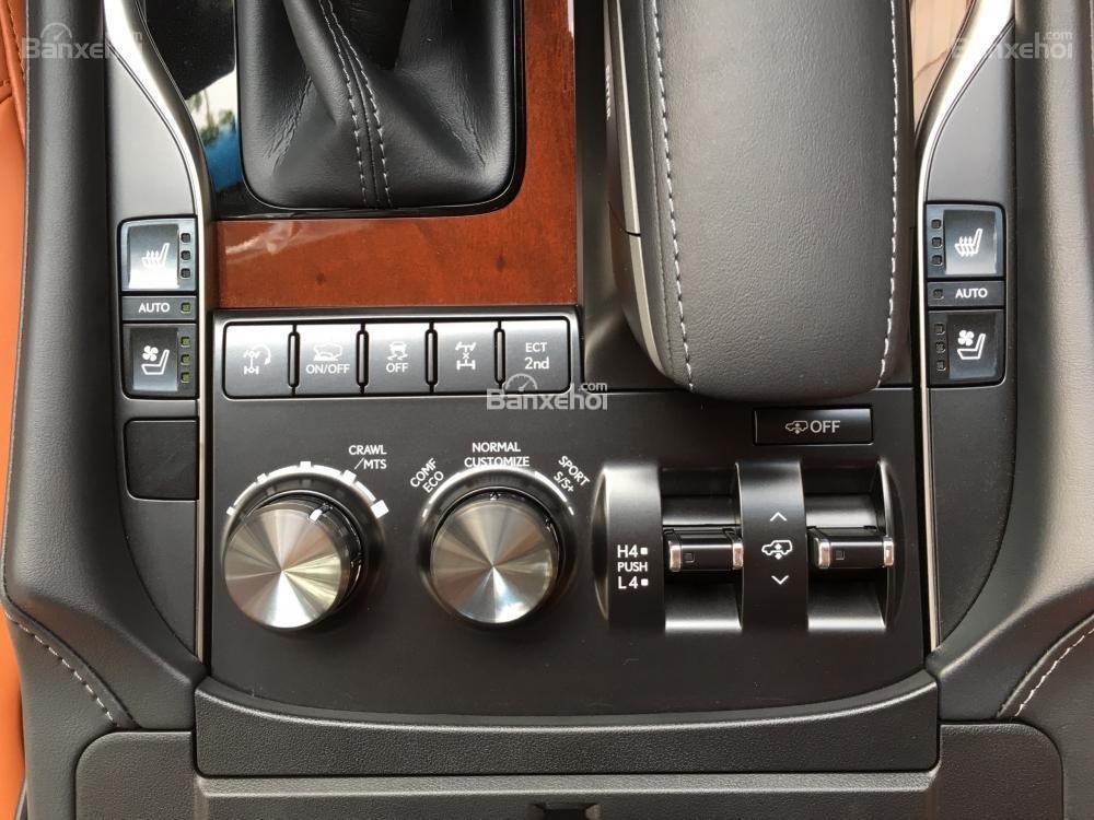 Bán xe Lexus LX 570S SuperSport năm sản xuất 2018, màu đen, nhập khẩu nguyên chiếc-18