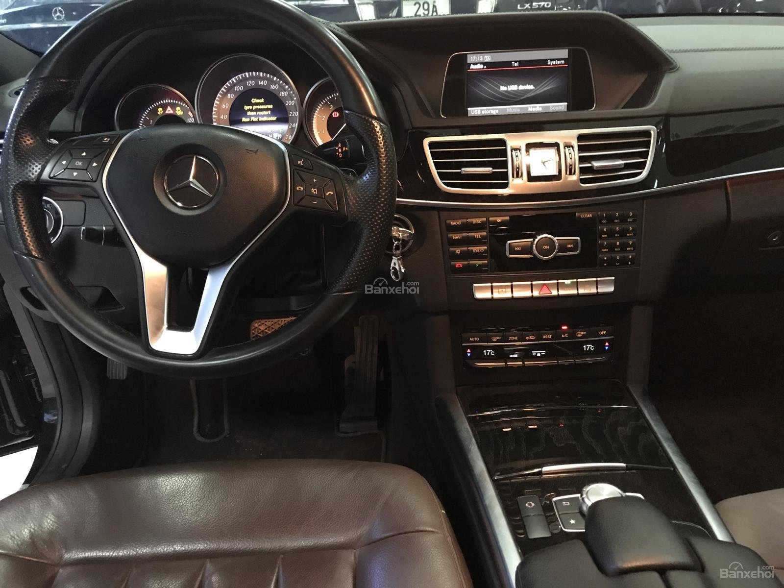 Bán Mercedes E250 2014, màu đen, xe cực đẹp-11