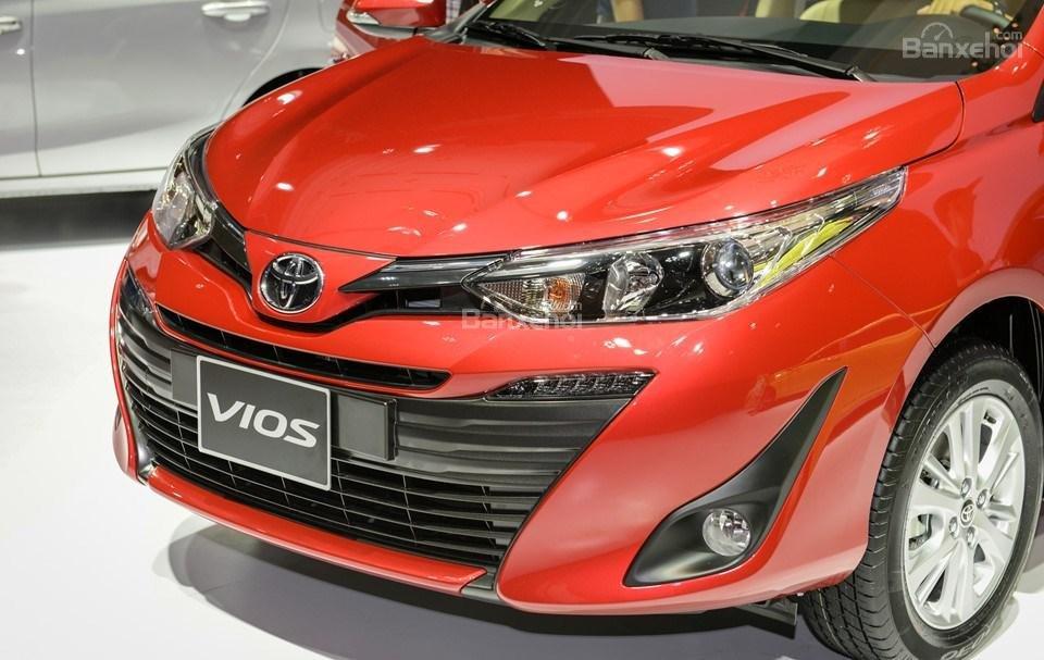 Toyota Vios 2019 và Nissan Sunny 2019 về thiết kế đầu xe