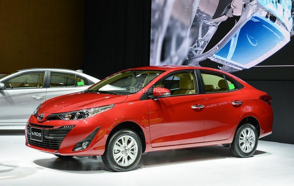 Toyota Vios 2019 và Nissan Sunny 2019 về phần thân