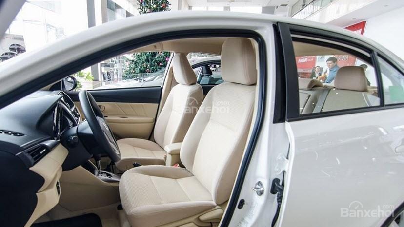 Toyota Vios 2019 và Nissan Sunny 2019 về ghế ngồi