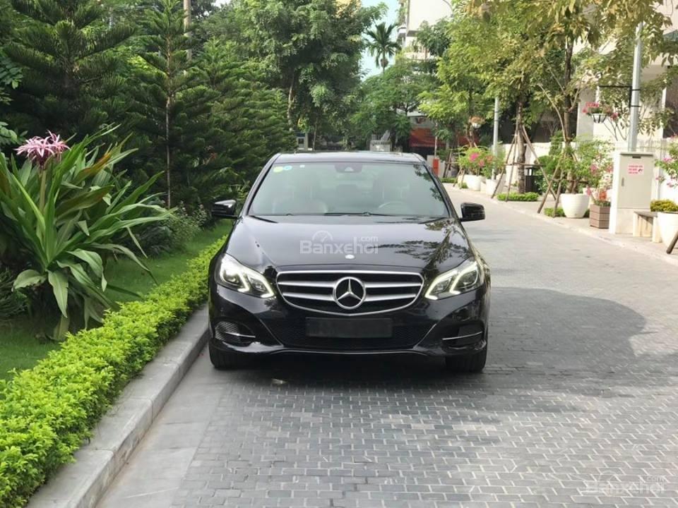 Bán xe Mercedes - Benz E250, màu đen, nội thất nâu-0