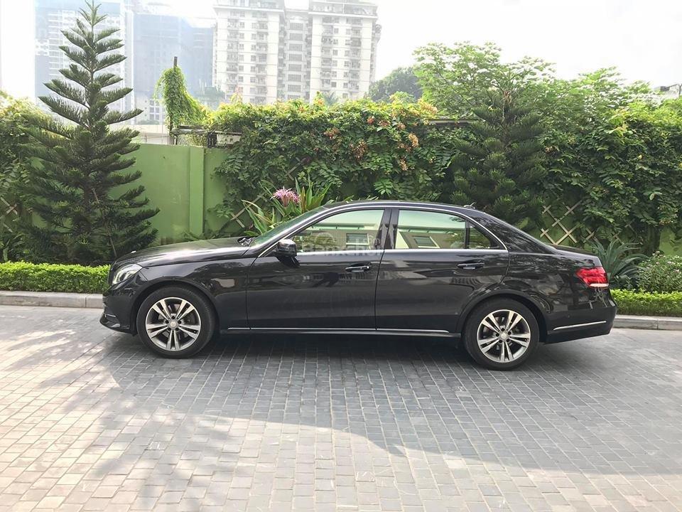 Bán xe Mercedes - Benz E250, màu đen, nội thất nâu-3