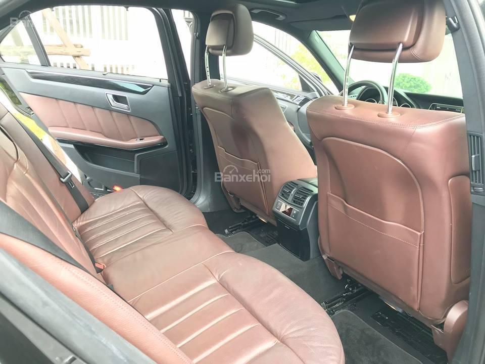 Bán xe Mercedes - Benz E250, màu đen, nội thất nâu-11