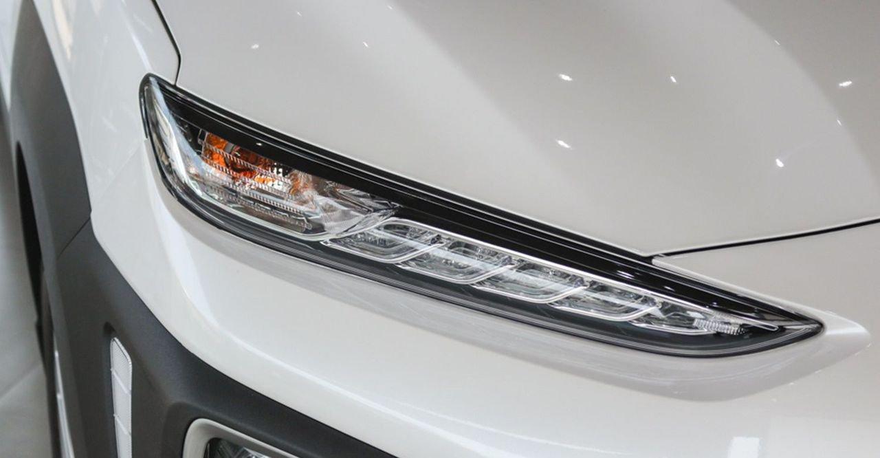 So sánh xe Hyundai Kona 2019 và Toyota Rush 2019 về đầu xe 7