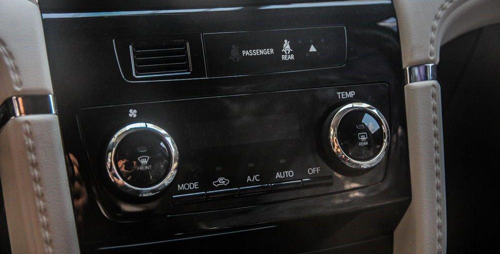 So sánh xe Hyundai Kona 2019 và Toyota Rush 2019 về tính năng giải trí 3