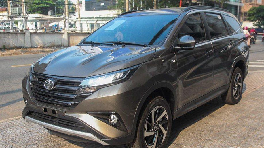 Hyundai Kona hấp dẫn hơn Toyota Rush nhưng lại không có cấu hình 7 chỗ 3