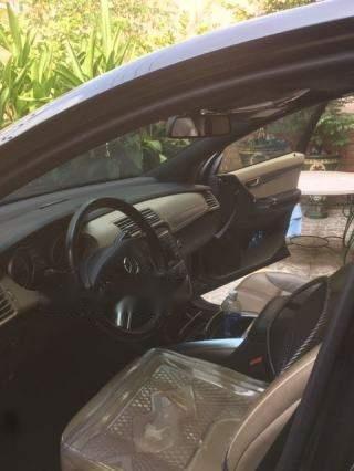 Cần bán Mercedes R300 sản xuất 2011, màu đen-2