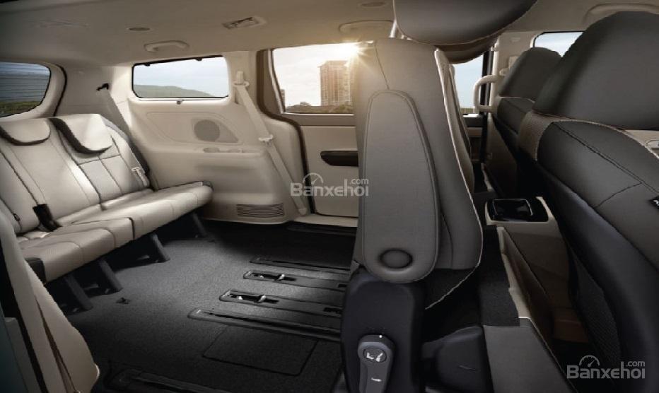 Đánh giá xe Kia Sedona bản Platinum G về không gian chứa đồ 2