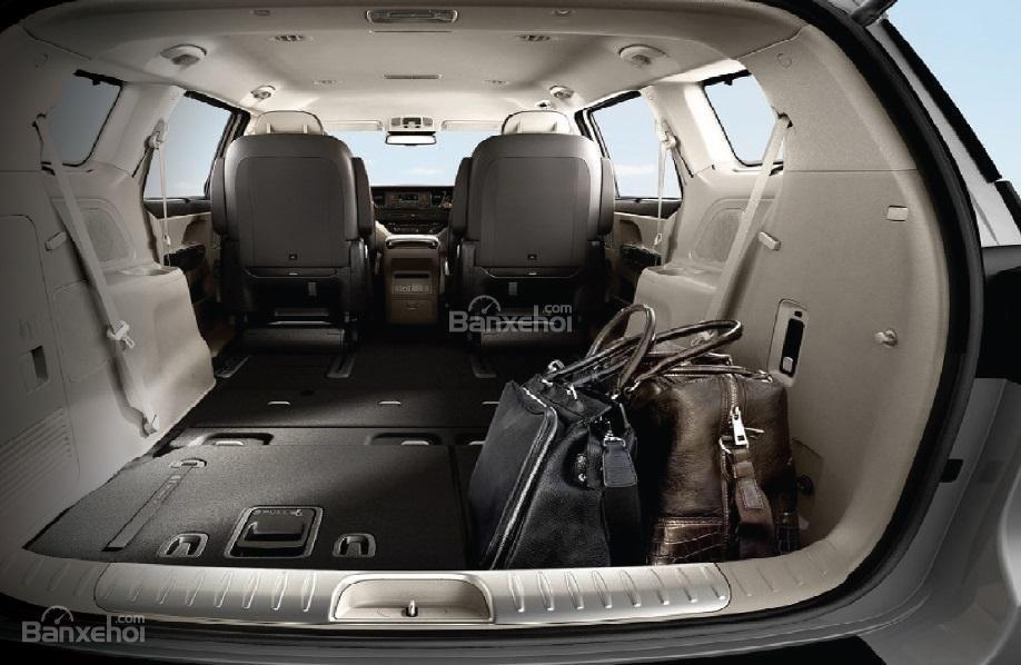 Đánh giá xe Kia Sedona bản Platinum G về không gian chứa đồ 4