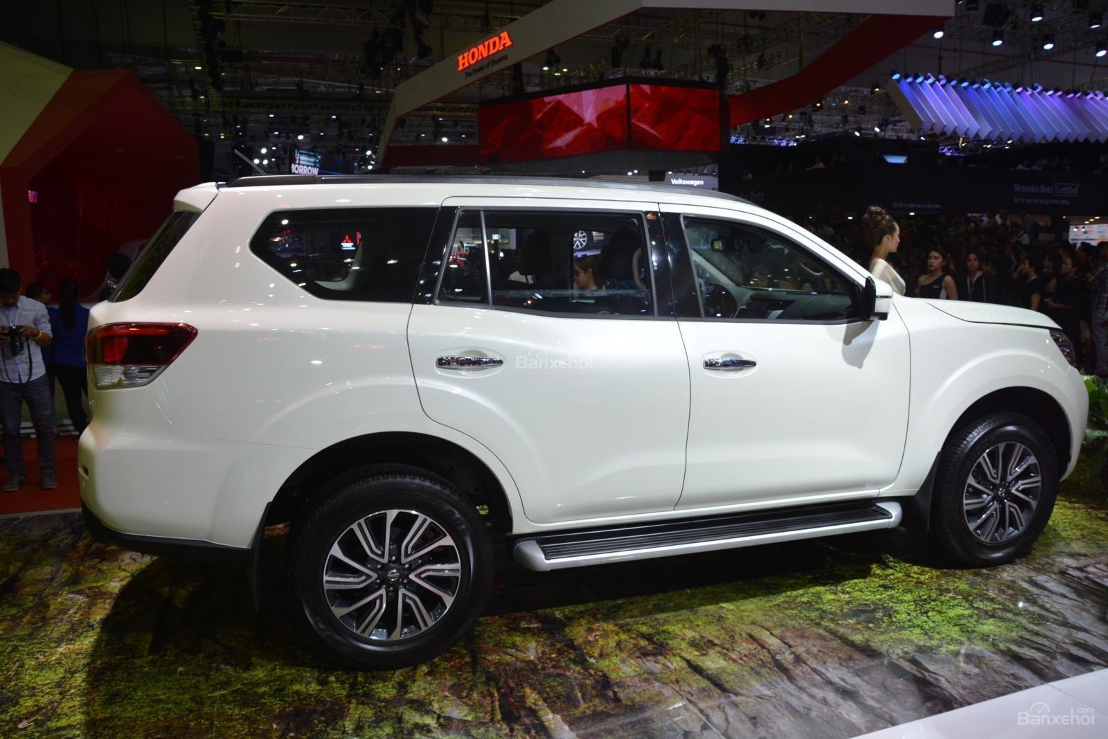 Đánh giá xe Nissan Terra 2019 về thiết kế thân xe a2