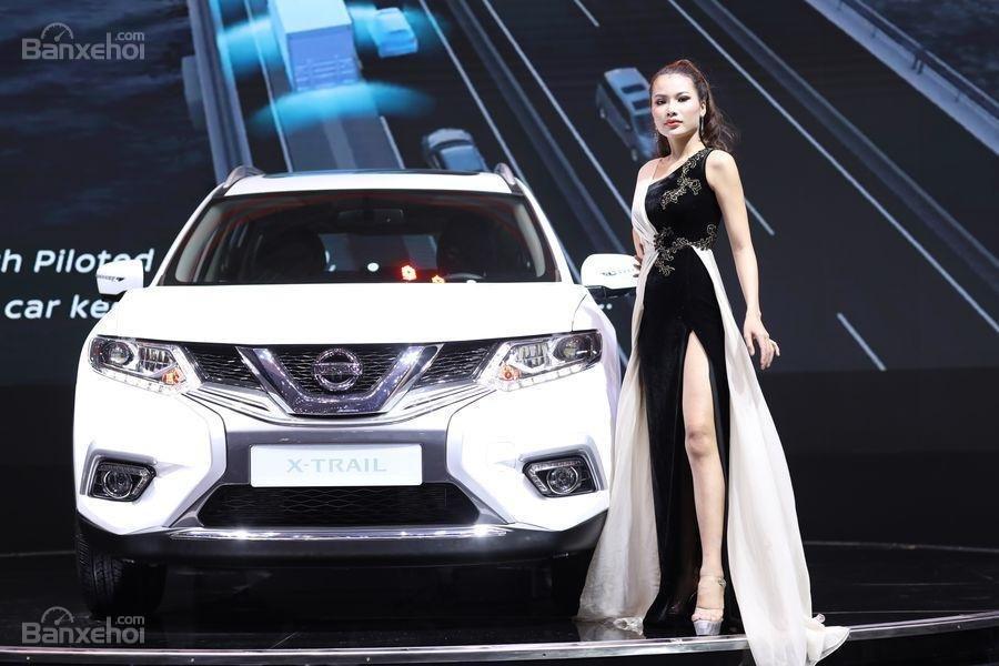 Bán Nissan X Trail 2018 giảm 40tr + phụ kiện, xe đủ màu giao ngay, 220tr đón xe về nhà, hotline 0967.33.22.66-14