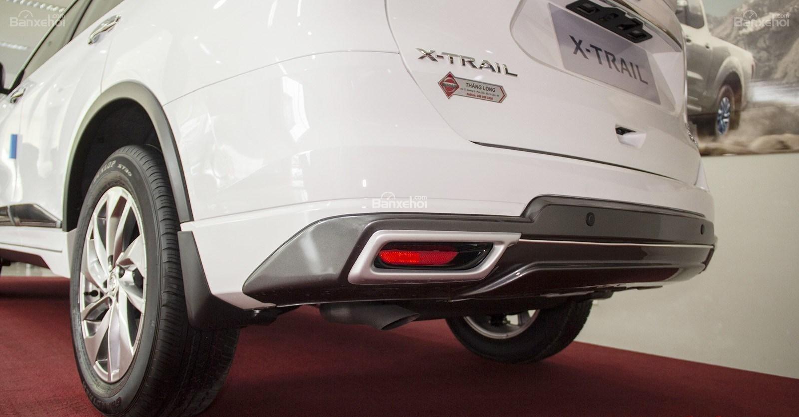 Bán Nissan X Trail 2018 giảm 40tr + phụ kiện, xe đủ màu giao ngay, 220tr đón xe về nhà, hotline 0967.33.22.66-5