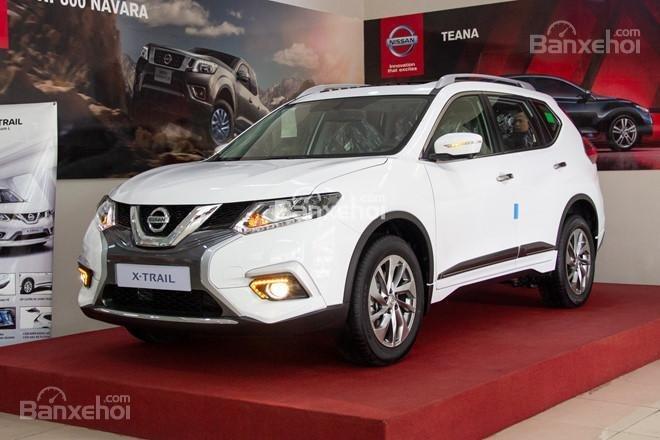 Bán Nissan X Trail 2018 giảm 40tr + phụ kiện, xe đủ màu giao ngay, 220tr đón xe về nhà, hotline 0967.33.22.66-0