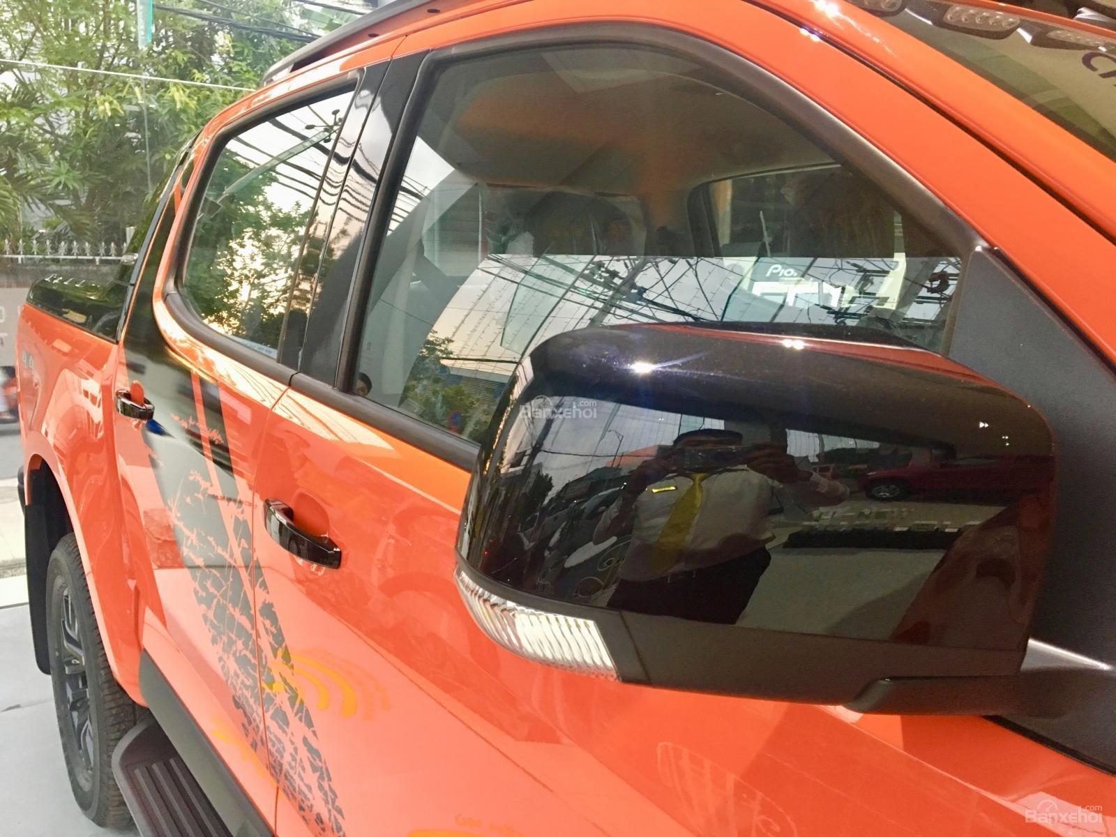 Giá xe Colorado Storm - Phiên bản đặc biệt màu cam - Tặng phụ kiện + giảm giá-5