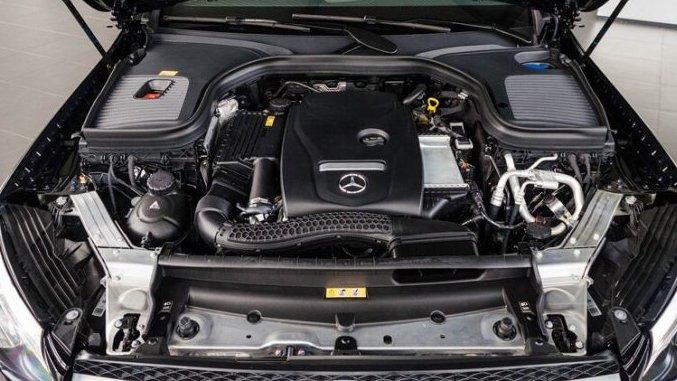 Mercedes GLC250 4Matic 2018 có sức mạnh lớn hơn Volkswagen Tiguan Allspace 2018 3