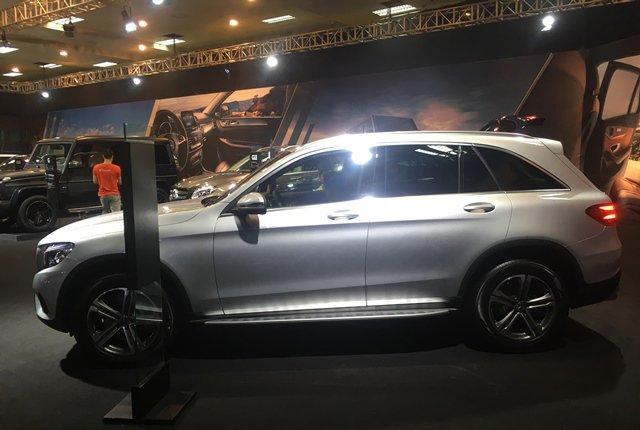 So sánh Volkswagen Tiguan Allspace 2018 và Mercedes GLC250 4Matic 2018 về thân xe 3