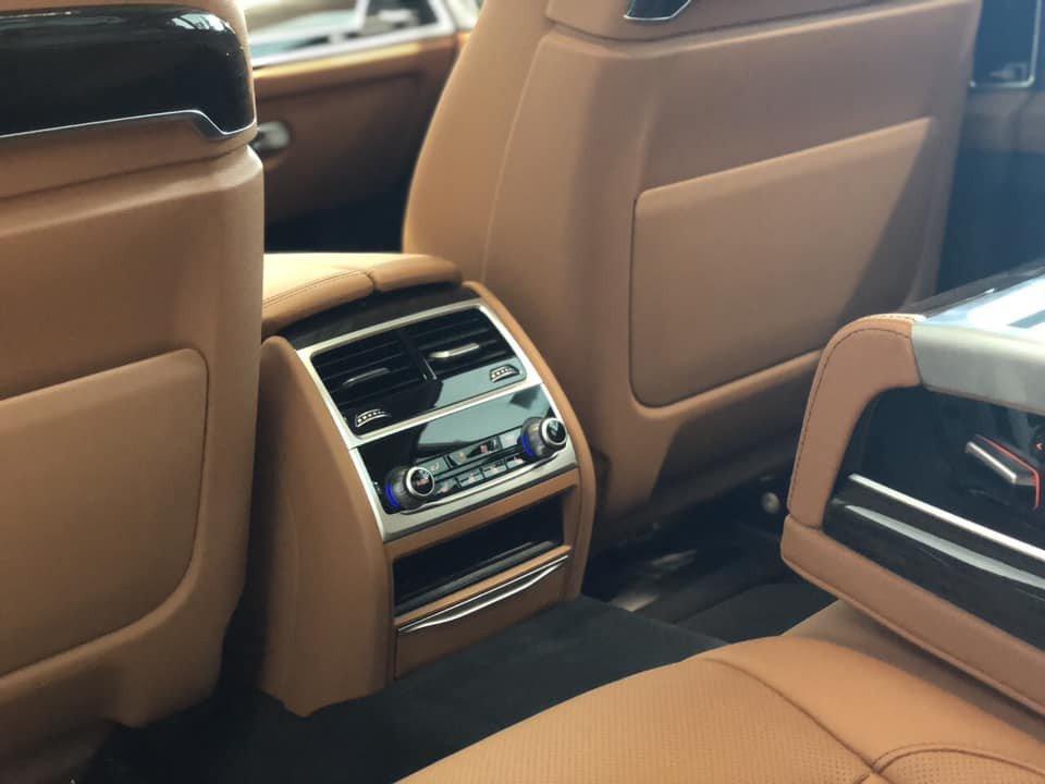 So sánh xe BMW 740Li và Mercedes S450 Luxury về trang bị giải trí 5