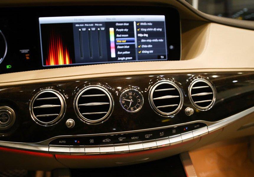 So sánh xe BMW 740Li và Mercedes S450 Luxury về trang bị giải trí 3