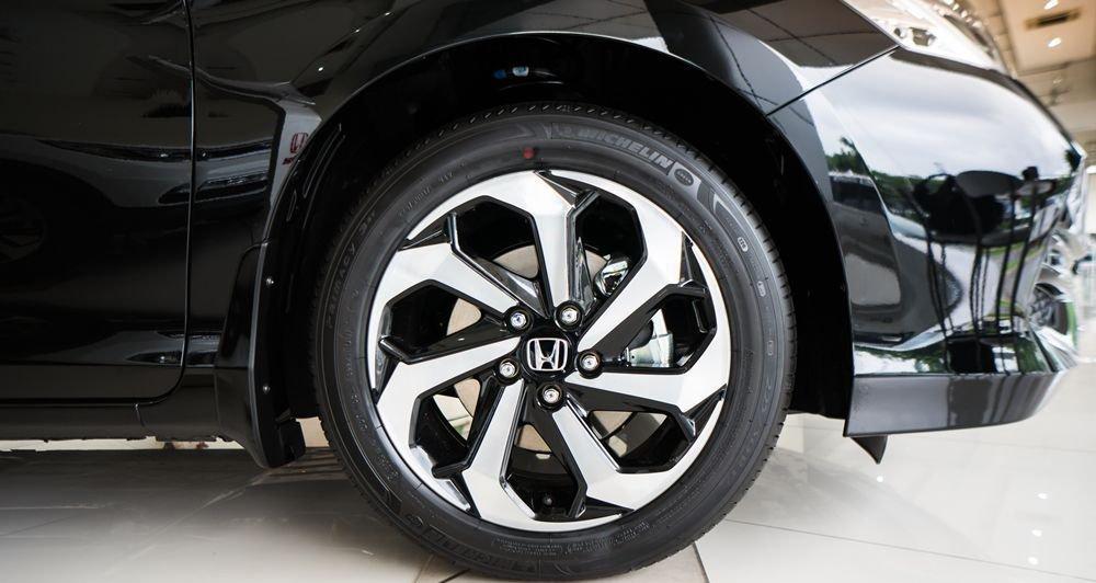 So sánh Honda Accord 2019 và Peugeot 508 2019 về thân xe 6