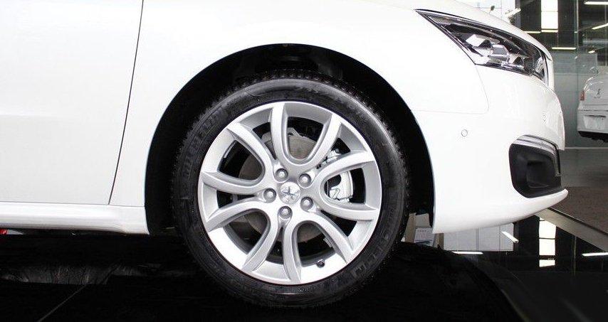 So sánh Honda Accord 2019 và Peugeot 508 2019 về thân xe 8