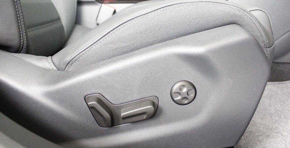So sánh xe Honda Accord 2019 và Peugeot 508 2019 về ghế ngồi 7