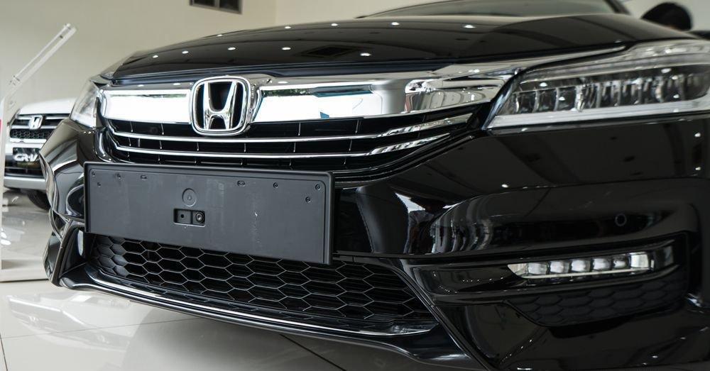So sánh Honda Accord 2019 và Peugeot 508 2019 về đầu xe 5