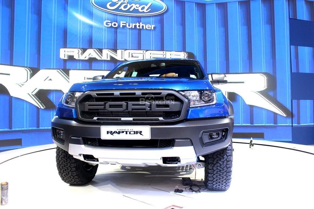 Ford Ranger Raptor và Ford Ranger Wildtrak 4x4 AT về đầu xe 1