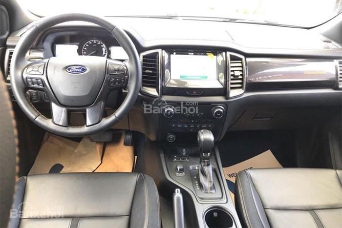 Ford Ranger Raptor và Ford Ranger Wildtrak 4x4 AT về nội thất 2