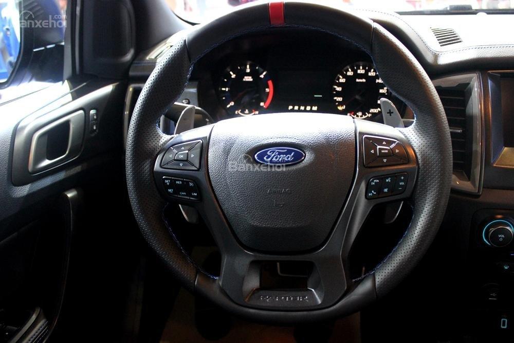 Ford Ranger Raptor và Ford Ranger Wildtrak 4x4 AT về nội thất 3
