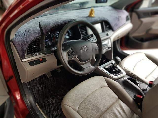 Cần bán xe Hyundai Elantra 1.6MT năm sản xuất 2017, màu đỏ số sàn, giá chỉ 538 triệu (4)