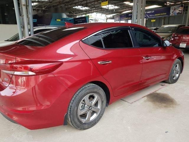 Cần bán xe Hyundai Elantra 1.6MT năm sản xuất 2017, màu đỏ số sàn, giá chỉ 538 triệu (3)