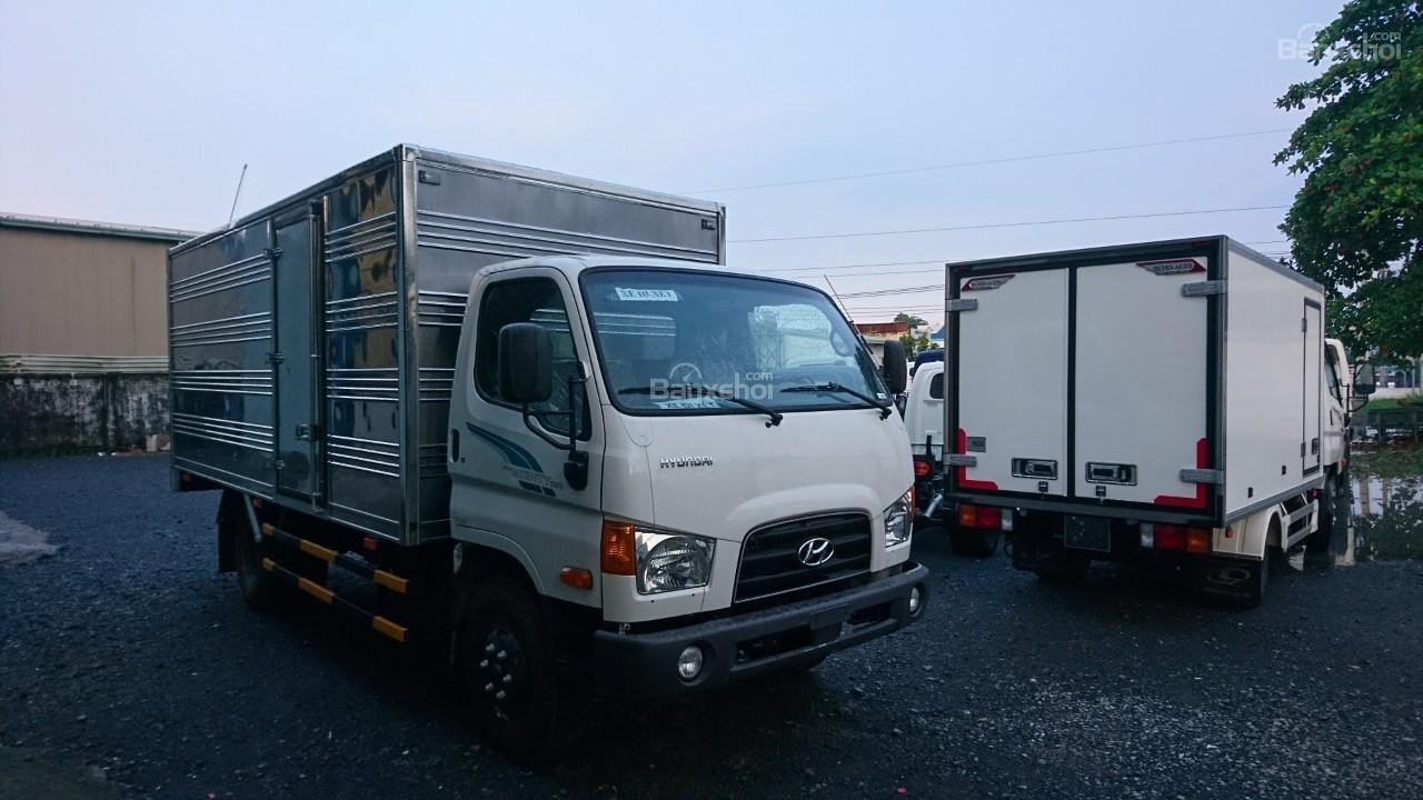 Bán Hyundai 7T đời 2018 thùng bạt, kín giao ngay (3)