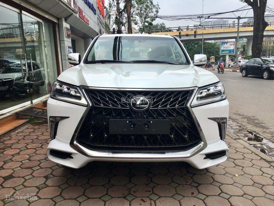 MT AUTO bán xe Lexus LX570S Super Sport đời 2019, màu trắng, xe nhập khẩu Trung Đông giá tốt LH: E Hương: 0945392468-0