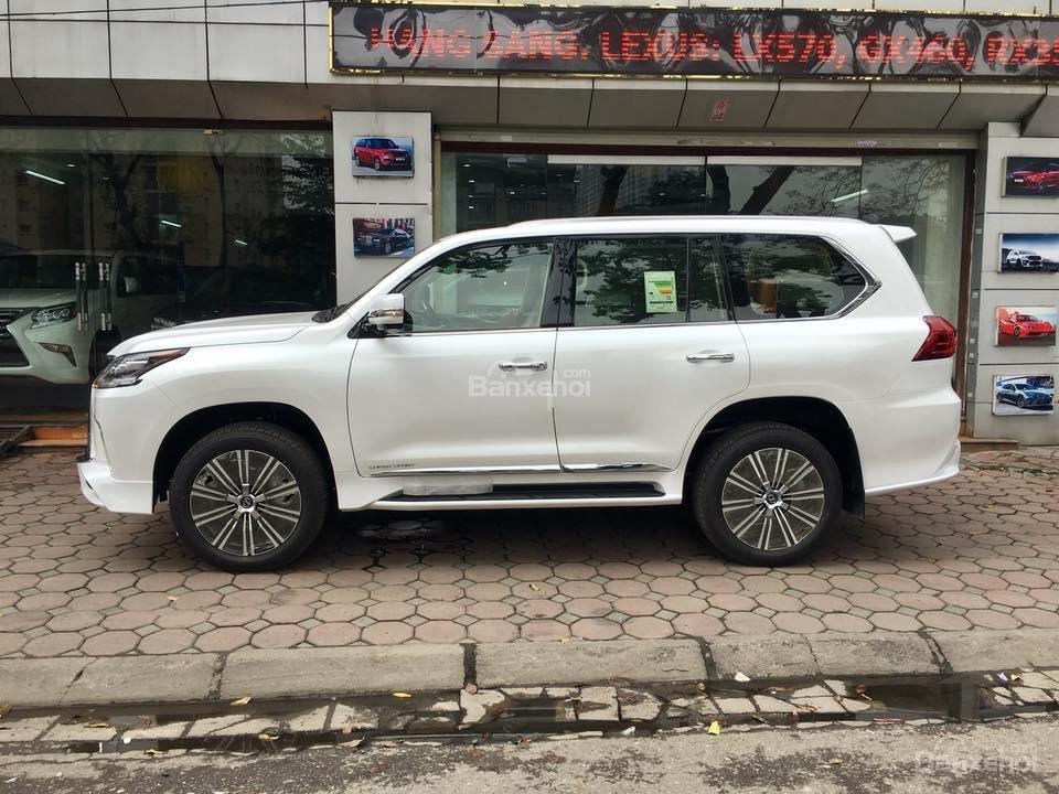 MT AUTO bán xe Lexus LX570S Super Sport đời 2019, màu trắng, xe nhập khẩu Trung Đông giá tốt LH: E Hương: 0945392468-1