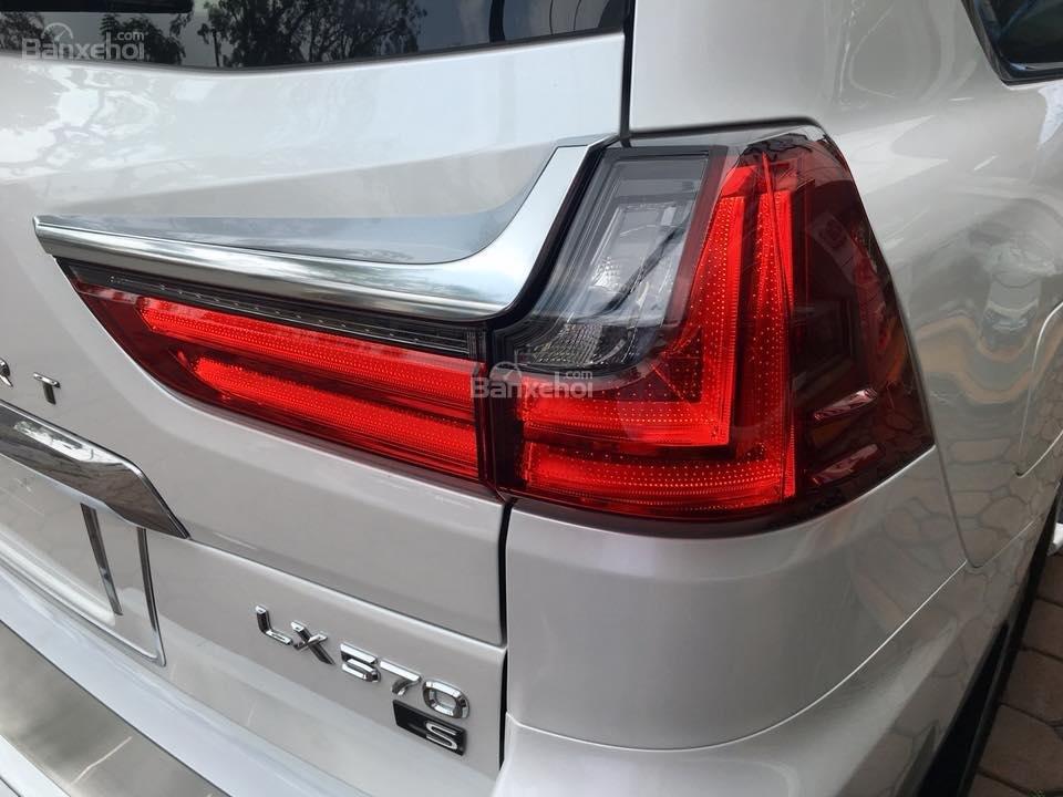 MT AUTO bán xe Lexus LX570S Super Sport đời 2019, màu trắng, xe nhập khẩu Trung Đông giá tốt LH: E Hương: 0945392468-5