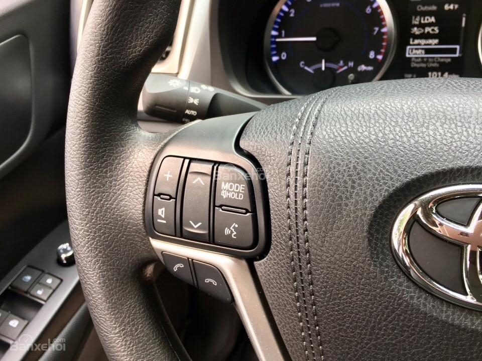 Bán xe Toyota Highlander LE năm 2018, màu đen, màu đỏ nhập khẩu Mỹ, LH em Hương: 0945392468 (7)