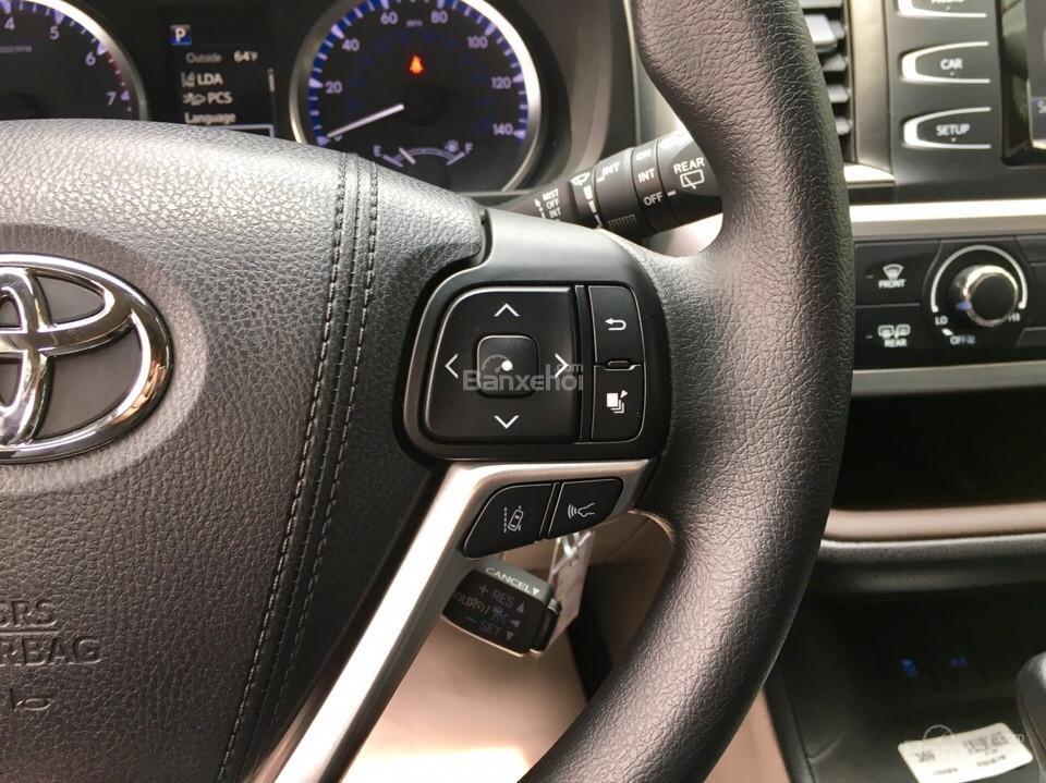 Bán xe Toyota Highlander LE năm 2018, màu đen, màu đỏ nhập khẩu Mỹ, LH em Hương: 0945392468 (8)