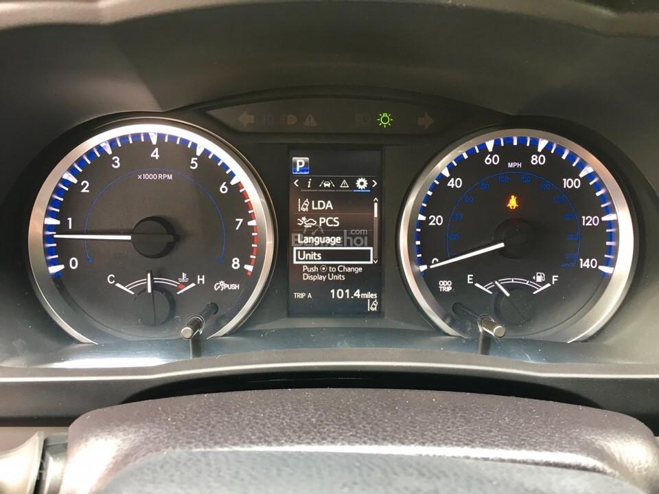 Bán xe Toyota Highlander LE năm 2018, màu đen, màu đỏ nhập khẩu Mỹ, LH em Hương: 0945392468 (11)