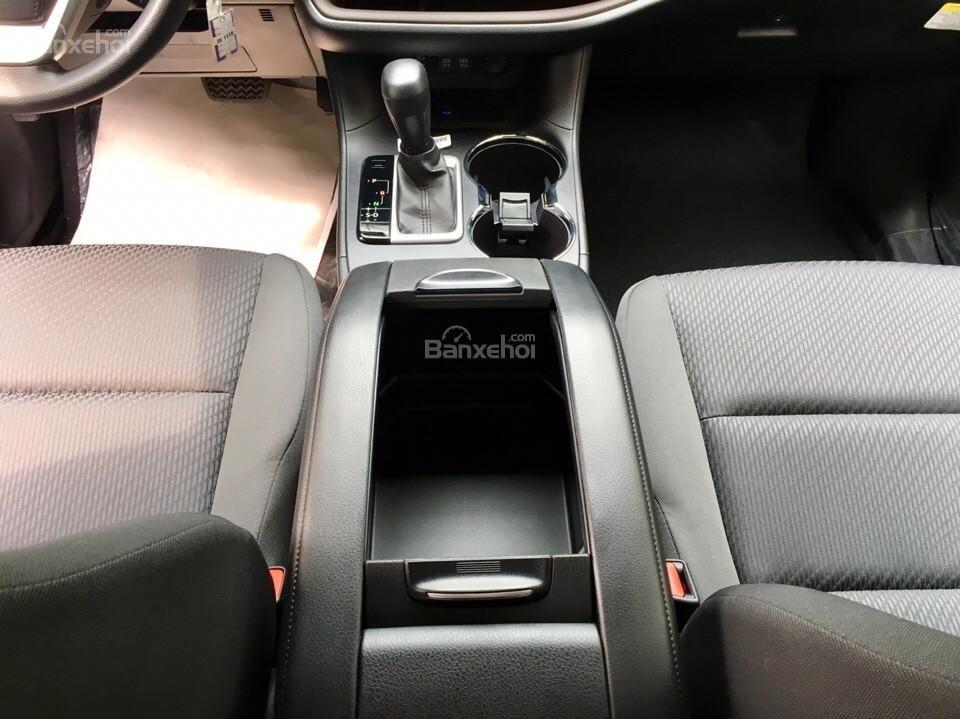 Bán xe Toyota Highlander LE năm 2018, màu đen, màu đỏ nhập khẩu Mỹ, LH em Hương: 0945392468 (21)