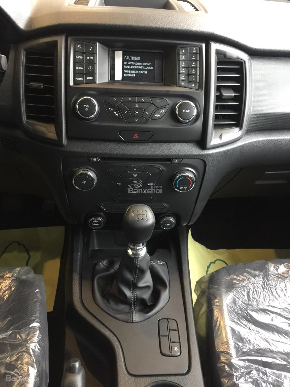 Giao luôn Ford Ranger XLS 2.2 MT, đủ màu, nhập khẩu Thái Lan, hỗ trợ vay 90% lãi suất thấp. Liên hệ nhận giá tốt nhất-3