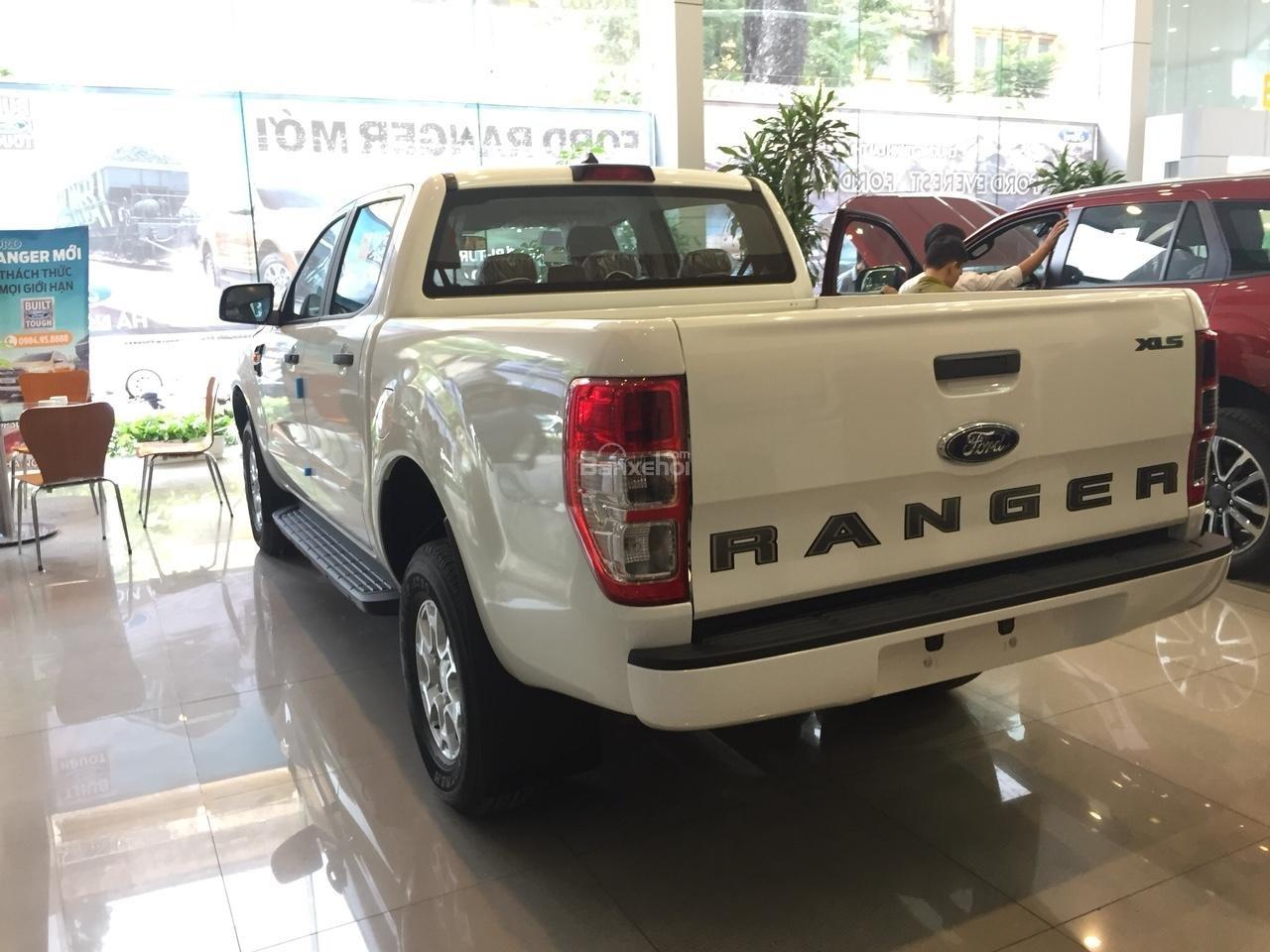 Giao luôn Ford Ranger XLS 2.2 MT, đủ màu, nhập khẩu Thái Lan, hỗ trợ vay 90% lãi suất thấp. Liên hệ nhận giá tốt nhất-2