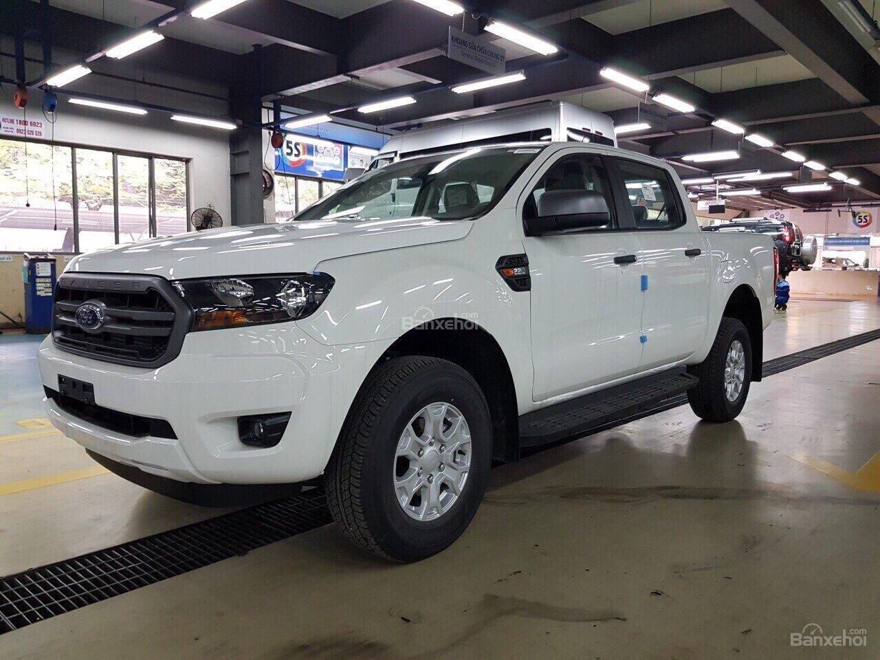 Giao luôn Ford Ranger XLS 2.2 MT, đủ màu, nhập khẩu Thái Lan, hỗ trợ vay 90% lãi suất thấp. Liên hệ nhận giá tốt nhất-0