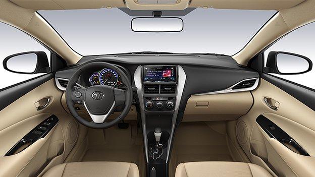 So sánh xe Toyota Vios 2019 và Mazda 2 2019 về nội thất.