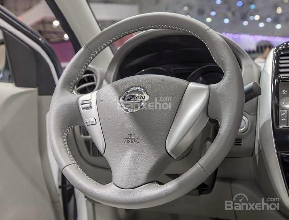 Đánh giá xe Nissan Sunny Q-Series 2019: Vô lăng.