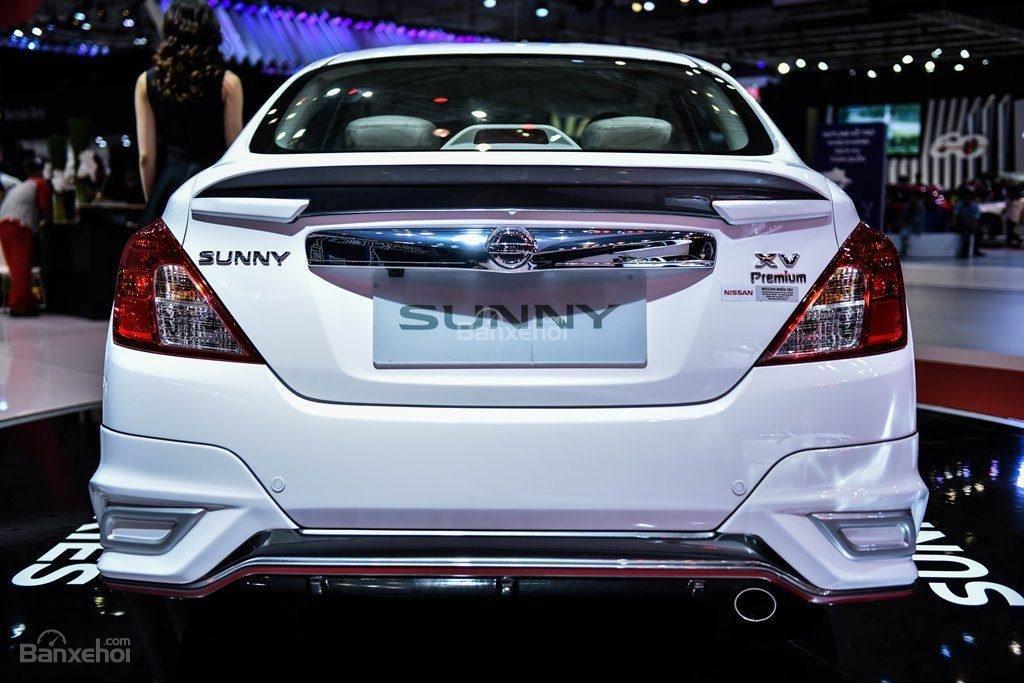 Đánh giá xe Nissan Sunny Q-Series 2019: Đuôi xe.
