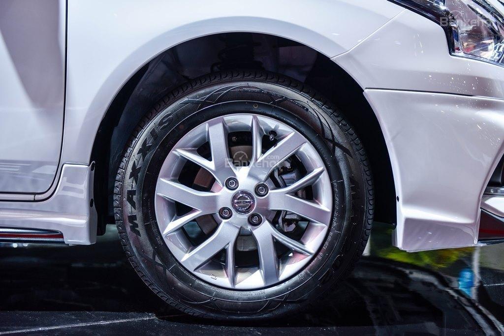 Đánh giá xe Nissan Sunny Q-Series 2019: Bánh xe.